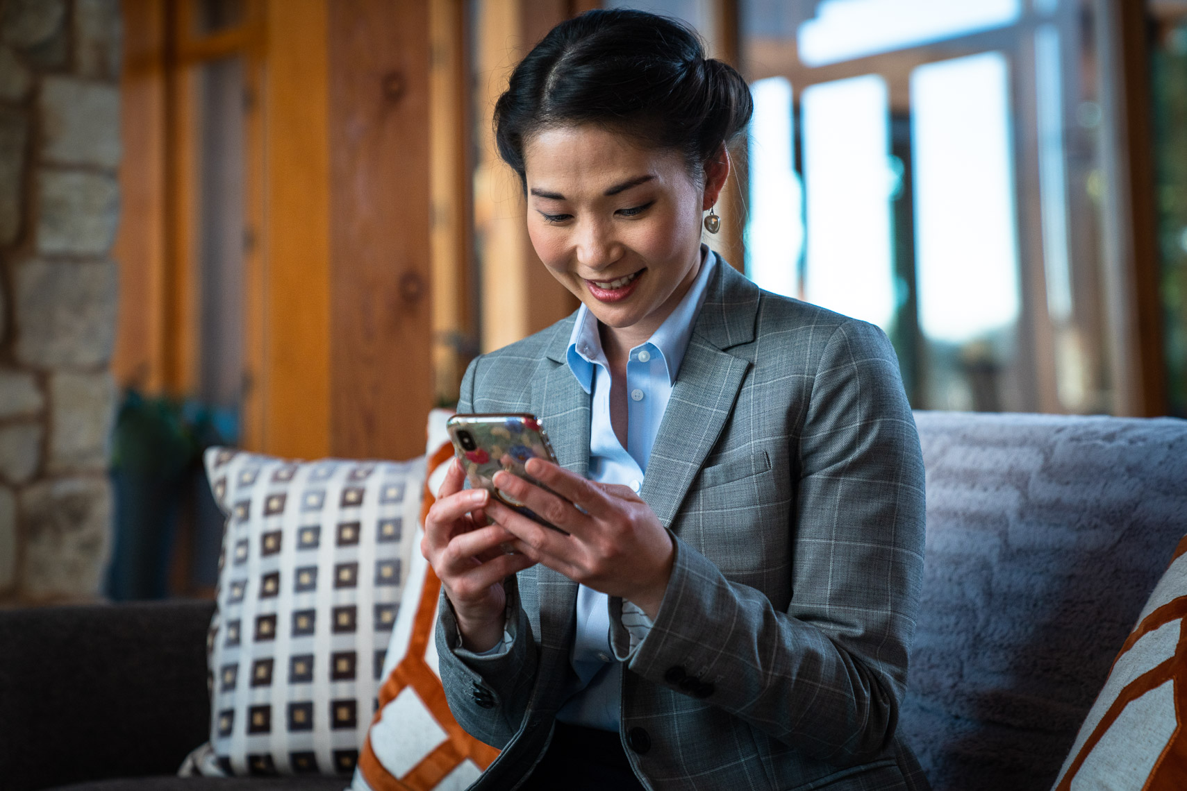 Avast - Asian Female Traveler On Smartphone